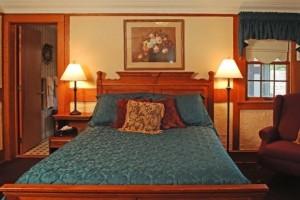 Punderson-Manor-Bedroom